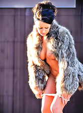 Devaun FTV Girl : Devaun FTV Girl takes her sexy fur coat outdoors and shows us her big round boobs.